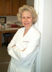Maureen Brogan Earns Laser Certification at Body Oasis Laser Cosmetic Solutions