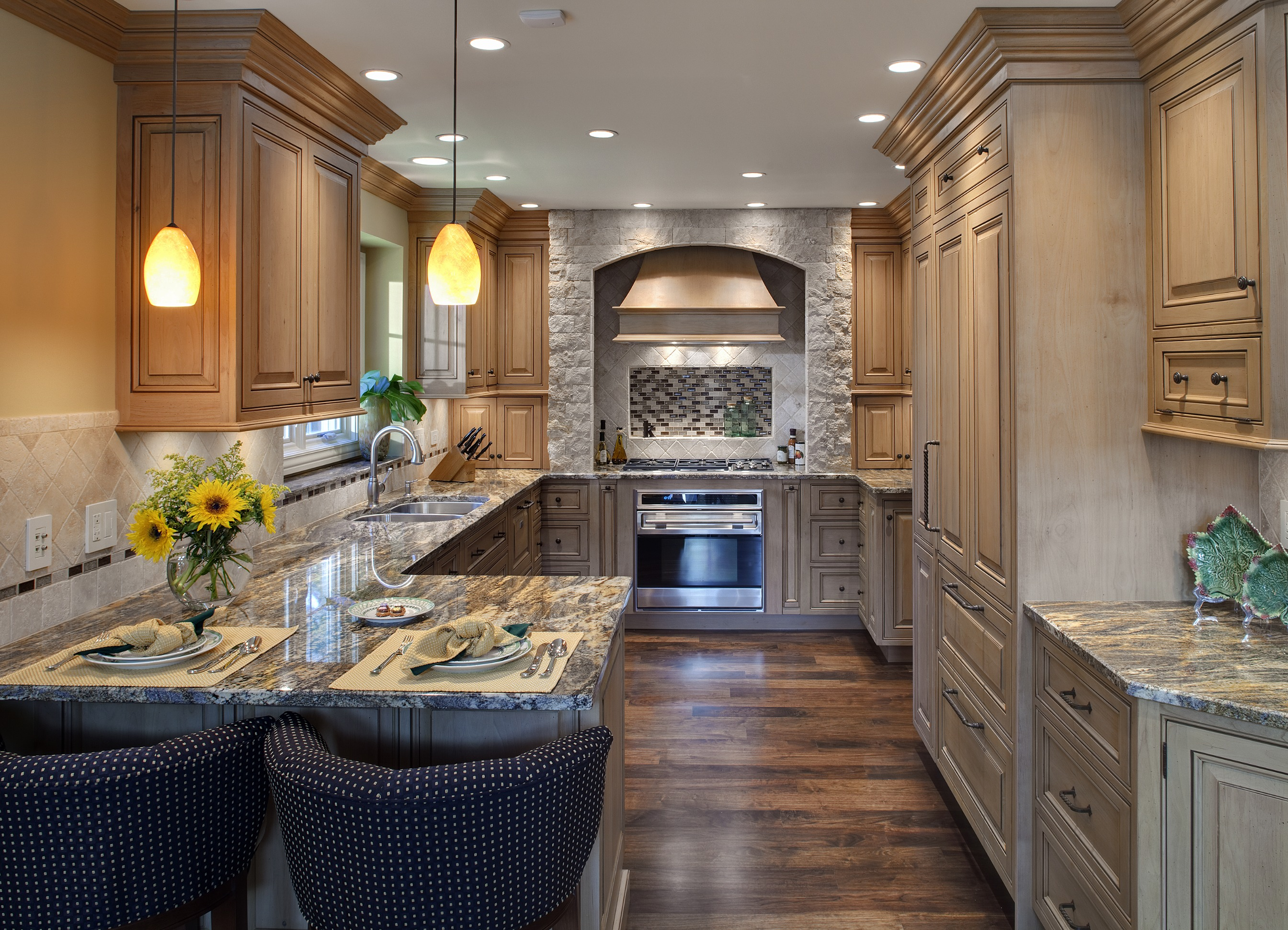 Ordinary to extraordinary trends in luxury townhome for Custom kitchen design