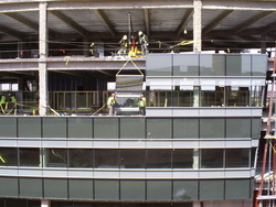 Glass Lifting and Handlign Equipment