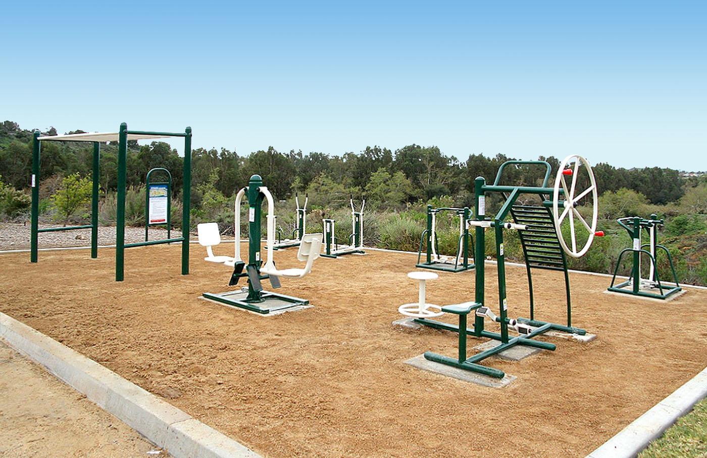 Saddleback Church Offers Innovative Outdoor Fitness Course