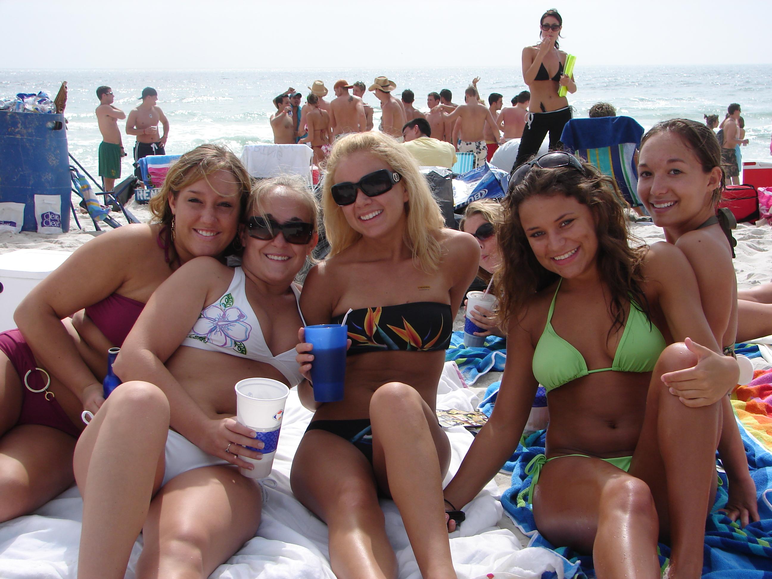 gorgeous naked emo girls