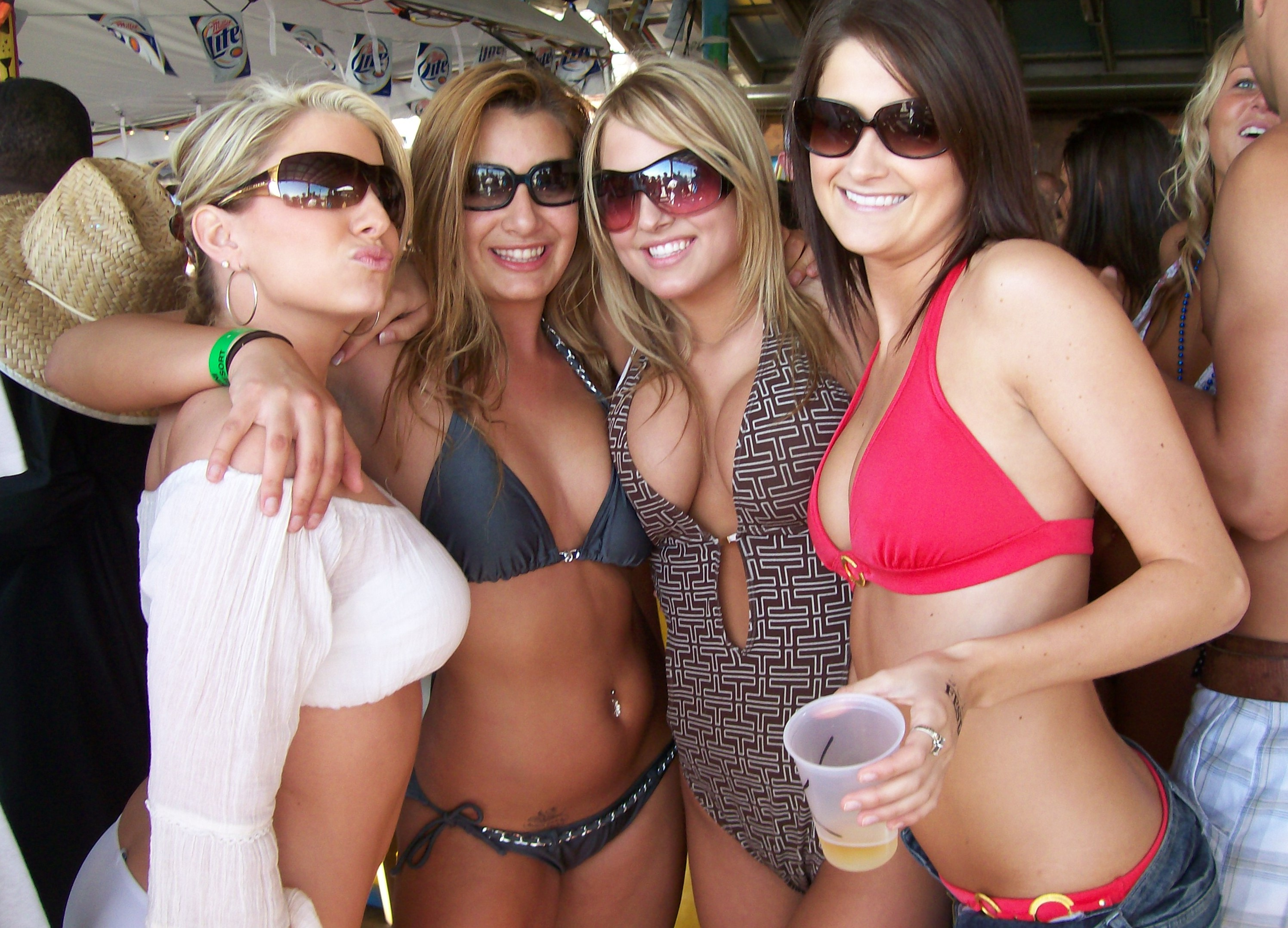 hot parties photos: