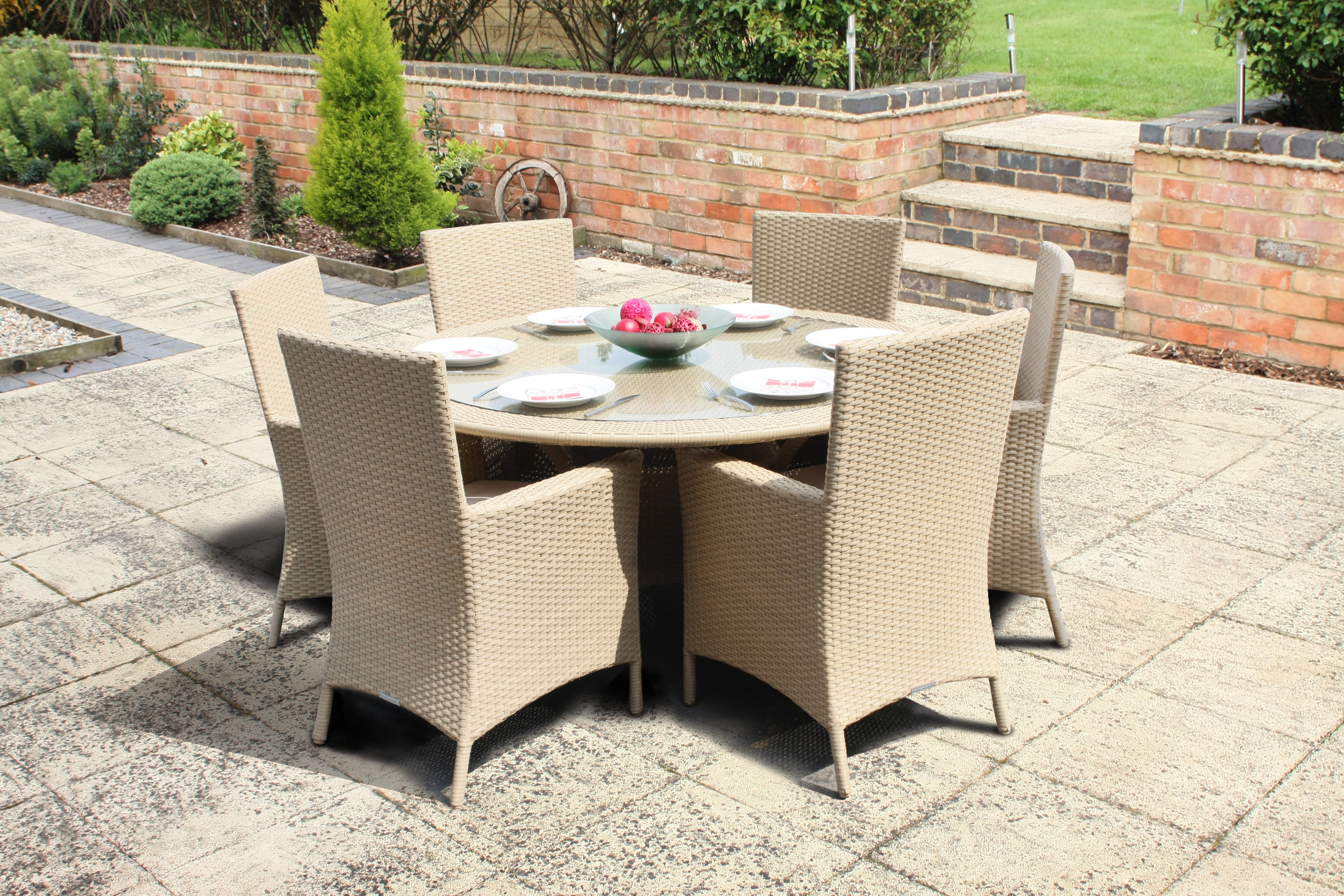 Wovenhill are proud to supply itn news with rattan garden for Mobili outdoor
