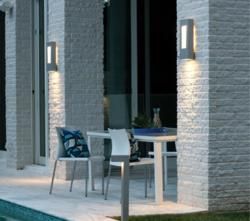 Lightology has a vast array of outdoor pendants, landscape lighting, garden lighting, wall sconces and more from Hinkley Lighting.