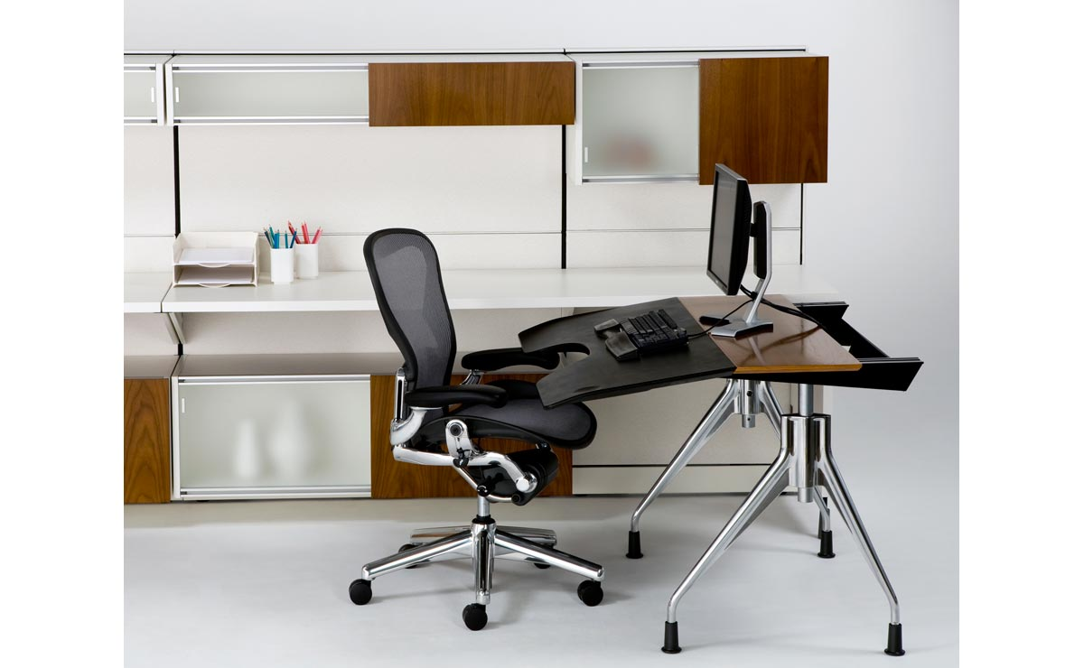 a reclining desk sit4less offers the first of its kind envelop by herman miller. Black Bedroom Furniture Sets. Home Design Ideas