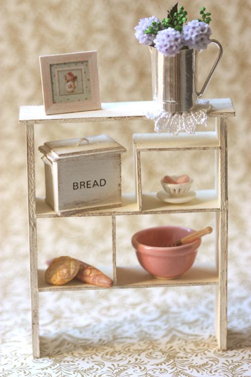 Pei Li S Dollhouse Miniatures Feature Creations In Unique