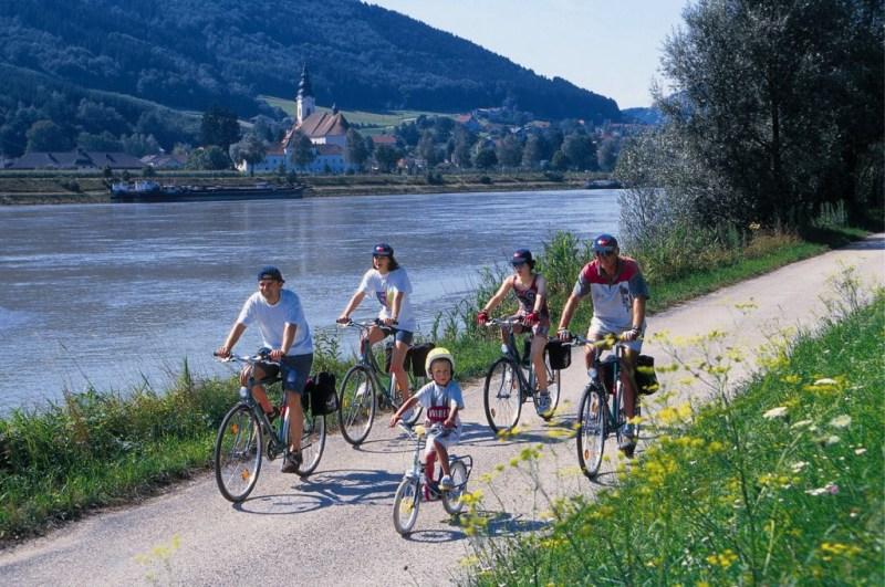 biketoursdirect launches free guide   u201chow to choose an