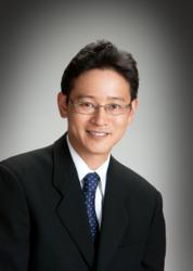 "Hosuton Cosmetic Dentist, Dr. Shimizu Naioki ""Ned"""