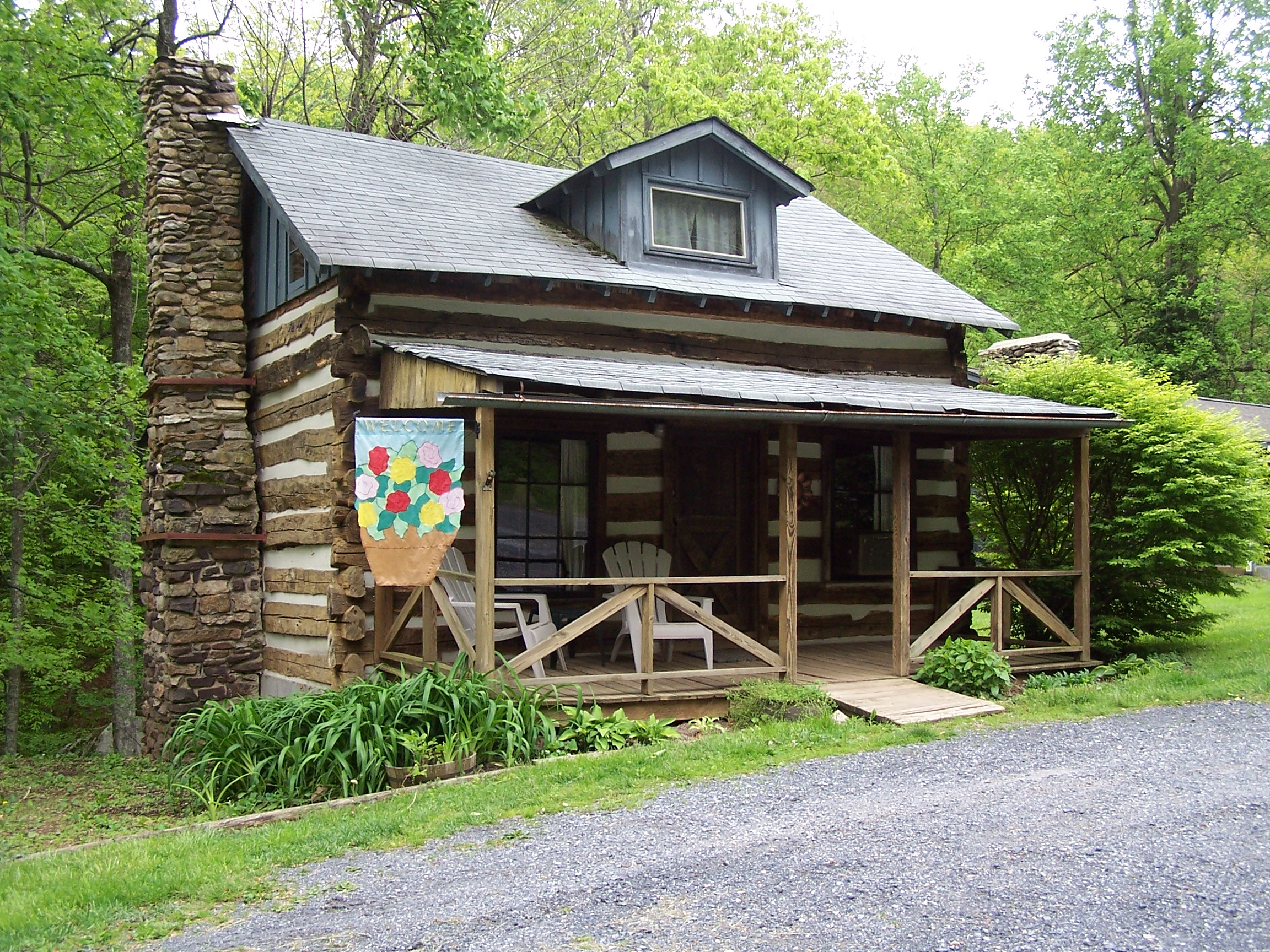 Hurricane irene causes flood of phone calls to cabin for Log cabins in shenandoah valley