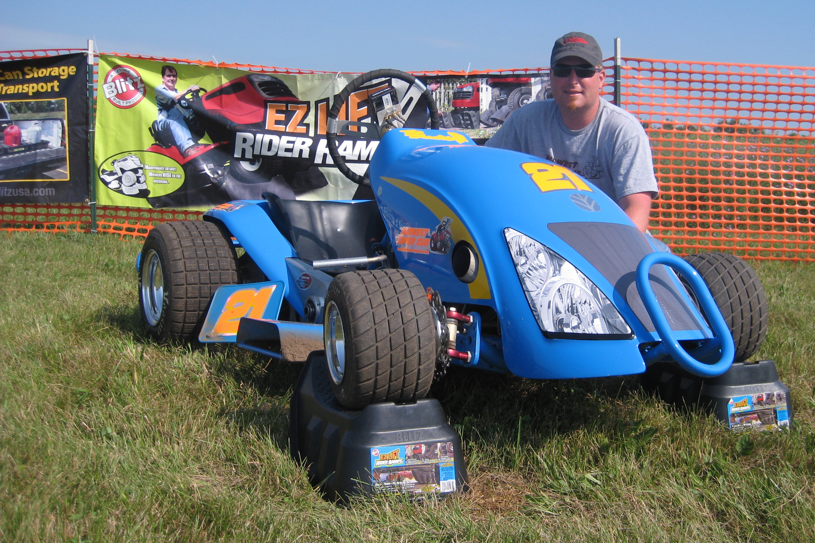 Lawn Mower Racing >> Blitz USA EZ Lift Rider Ramps and Hand-E Hauler Sponsor ...