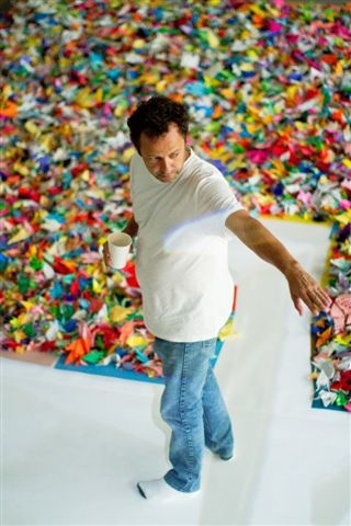 Vik Cranes Vik Muniz : Profile of a Brazilian Artist