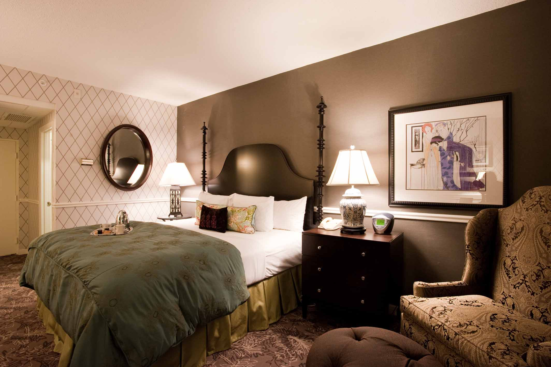 bubbles butlers package at hotel viking offers champagne butler service surrounded by. Black Bedroom Furniture Sets. Home Design Ideas