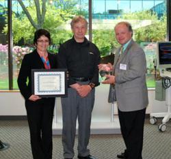 Gill McKenna of Analogic Receives Arnie Bailey 15-Year Innovators Award from ITG