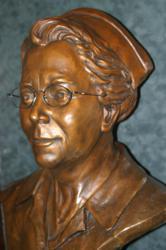 bronze bust, bronze sculpture, bronze sculpting