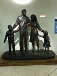 bronze sculptors of big statues custom bronze statue of the family