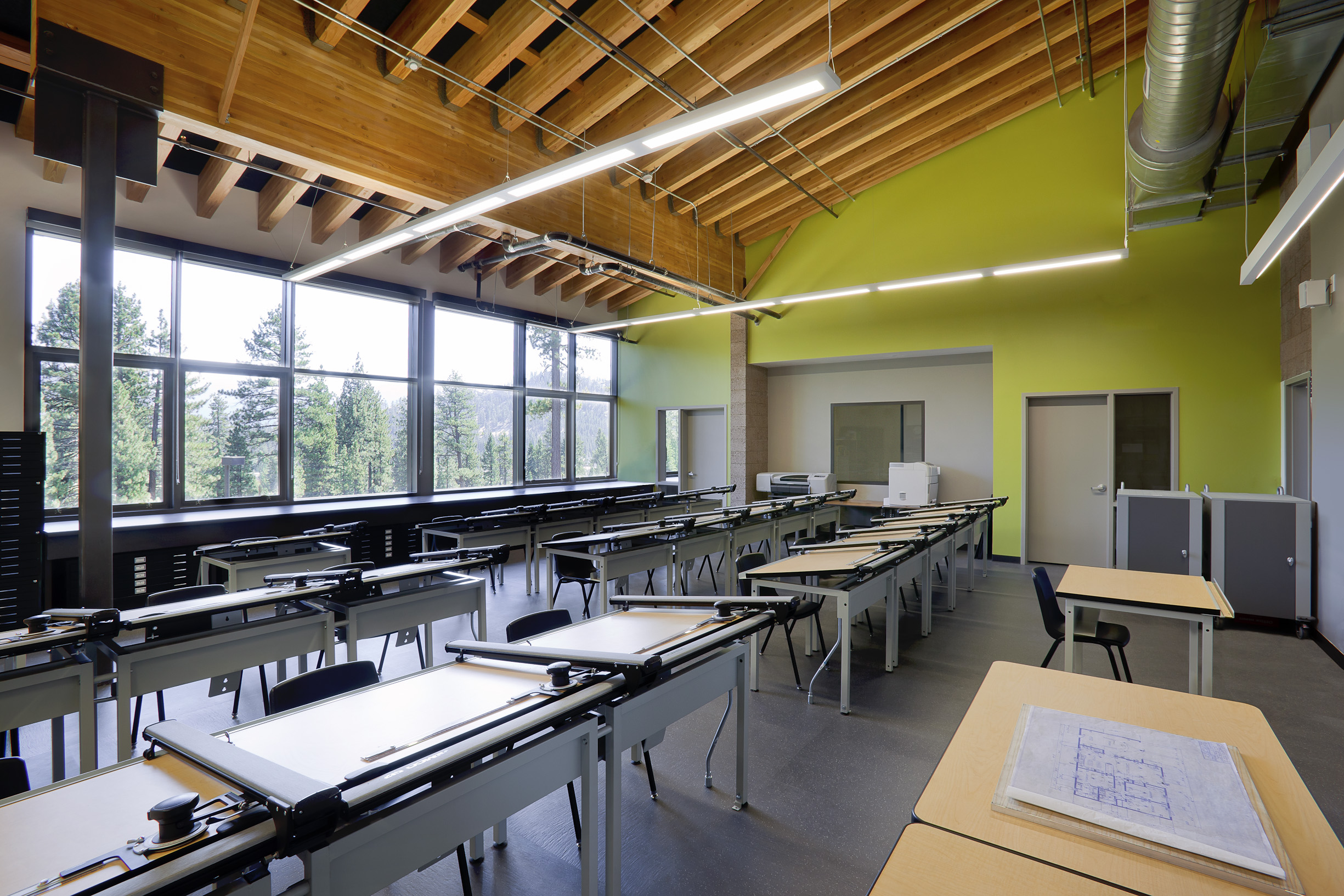 School design heavily awarded by orange county architects - San diego interior design school ...