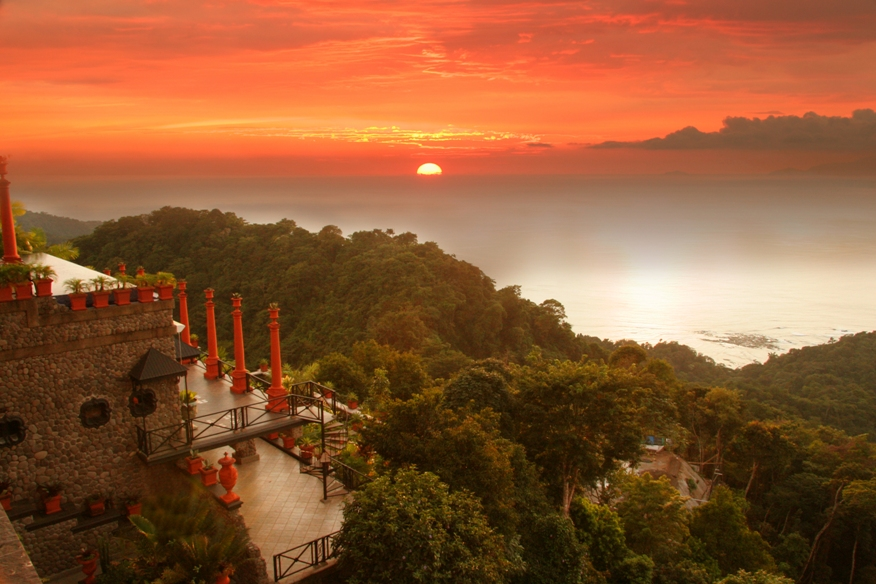 Zephyr Palace Has Been Voted As Costa Rica U0026 39 S Leading Hotel