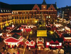 D?sseldorfs Christmas Market is Dazzling Mixture of Holiday Experiences: Shopping, Winter Sports, and Theme Markets
