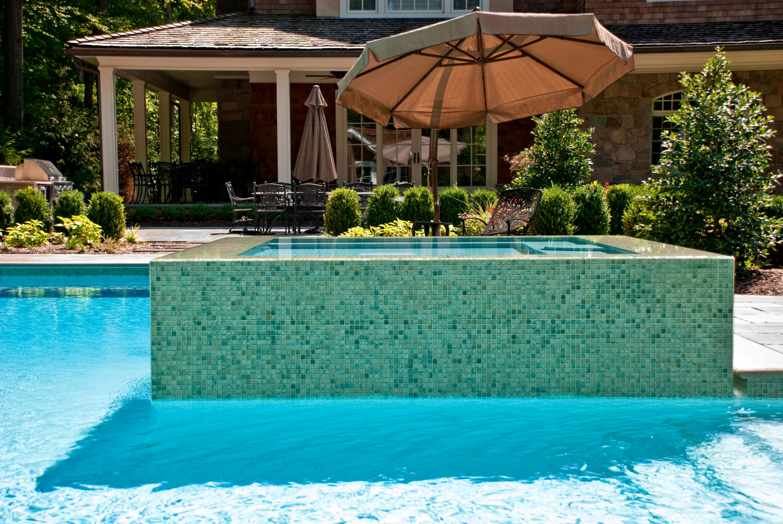 Nj perimeter overflow pool and spa by cipriano custom for Custom pool and spa