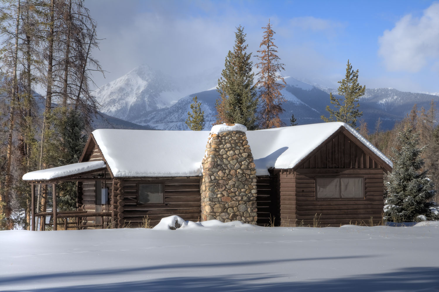 Grand lake chamber invites travelers to take a walk in for Rocky mountain state park cabins