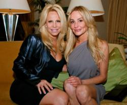Beverly Hills House Wife Taylor Armstrong & Friend