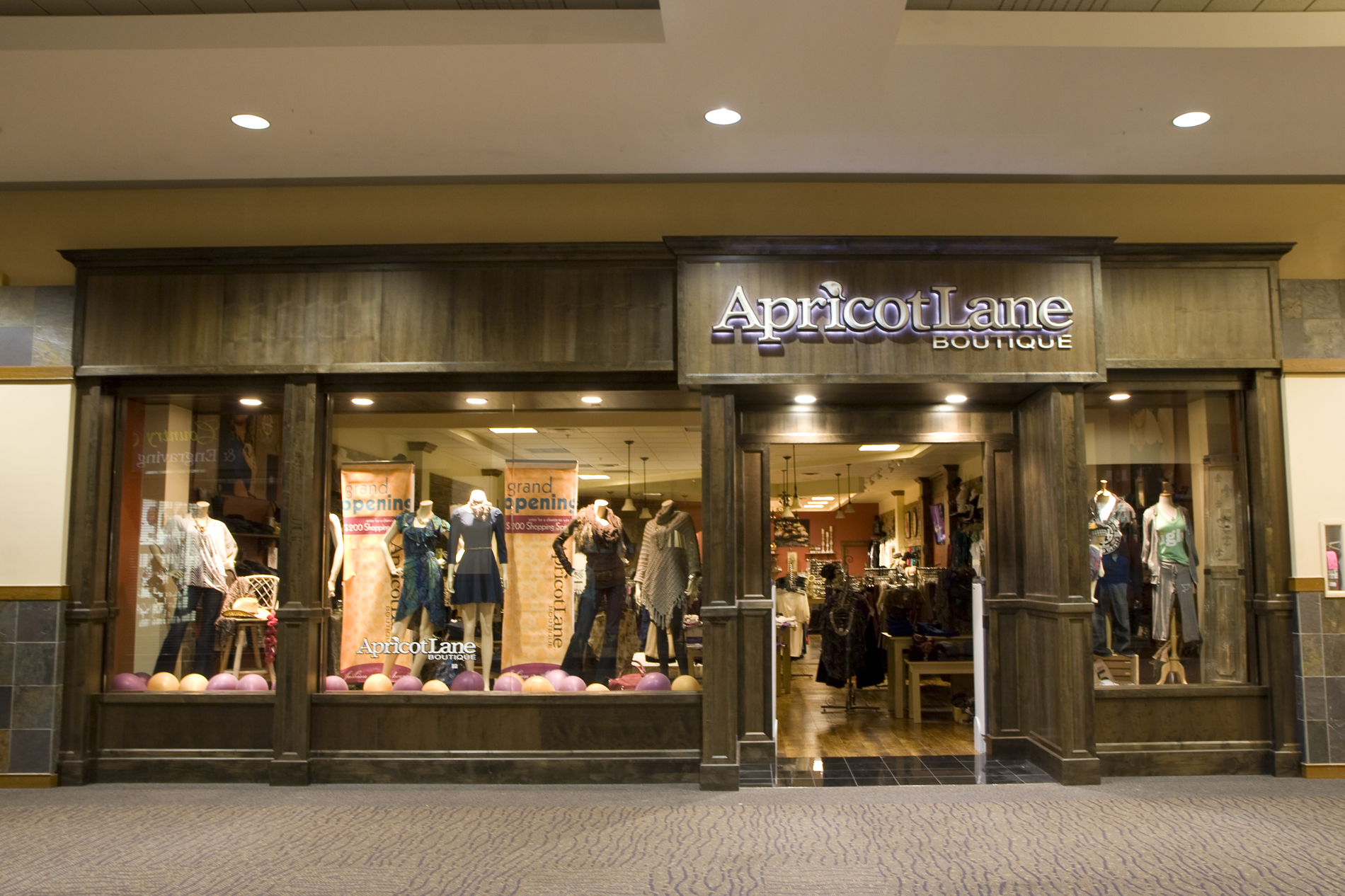 Apricot lane boutique owner plans to expand product line for Fashion valley jewelry stores
