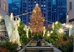 From wonderful windows to dazzling decorations, the Fifth Avenue Holiday Hunt takes players to the grandest holiday displays NYC has to offer.