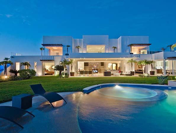 Ultra Luxury Cabo Vacation Villa Rental Offers Unique