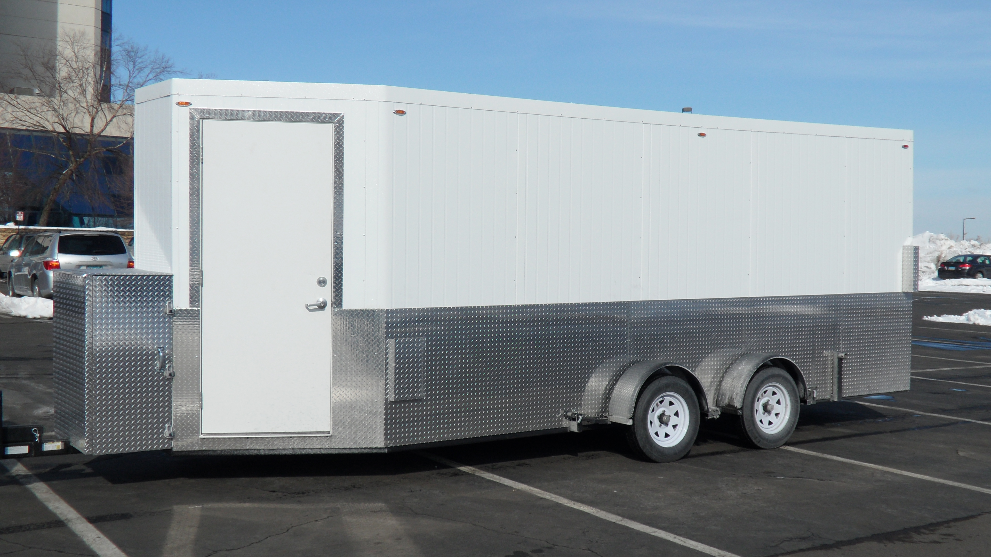 Mobile Bug Out Trailers : Mobile bed bug heat treatment trailer solves