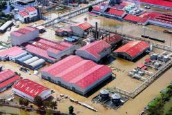 Flooded industrial park in Thailand housing hard drive suppliers.