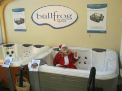 Santa Claus loves hot tubs