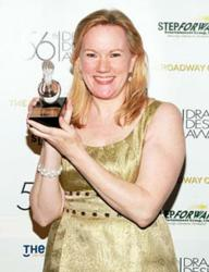 Kathleen Marshall with Drama Desk award ( Tristan Fuge)