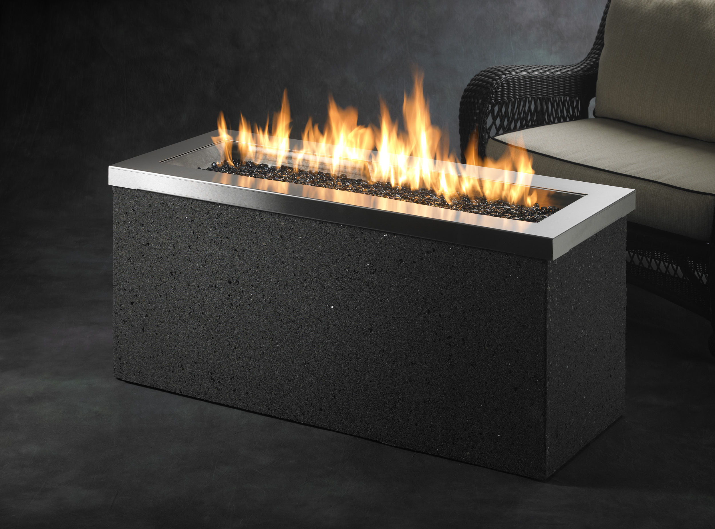 The Outdoor Greatroom 174 Company Adds 12 New Gas Fire Pit