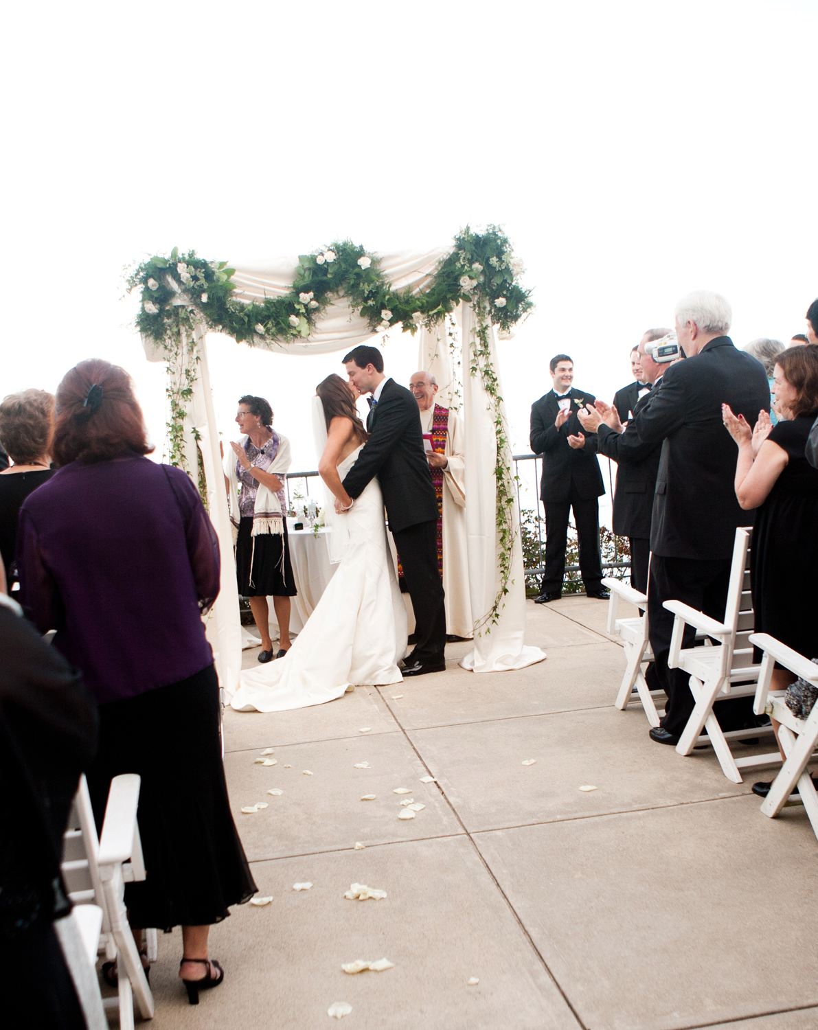 Outdoor Wedding At The Cliff House Resort Spa In Maine