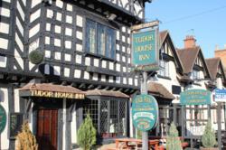 tudor inn accommodation since 1476