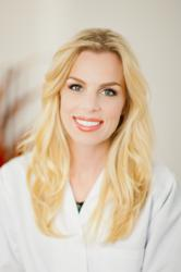 Dr. Kellee Stanton is an AACD accredited cosmetic dentist.