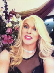Wearing the wig that Pop Wigs USA designed for Kim Zolciak of the Real Housewives of Atlanta