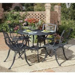 Outdoor Rug and Seating Area