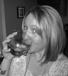 Erin Lundstrom, moms who wine, mom blogger, working mom blog, working mom