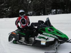 Tips to avoid personal injury while snowmobiling in Ontario