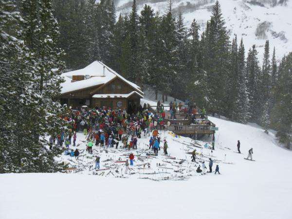 Celebrate spring on the slopes in gunnison crested butte for Crested butte cabins