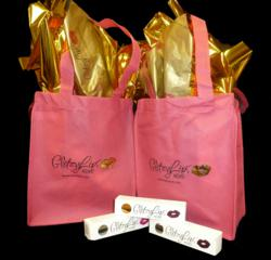 GlitzyLips' custom made reusable tote bag and product packaging were both produced by Creative Retail Packaging.