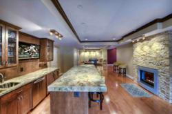 gI 85811 Compressed Synergy Design & Construction van Reston Ontvangt
