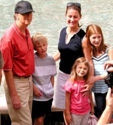 Bill Gates Family Goes Green in Belize