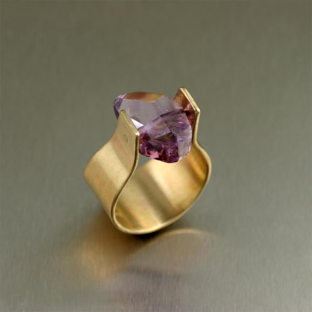 designer jeweler seeks fashion partners