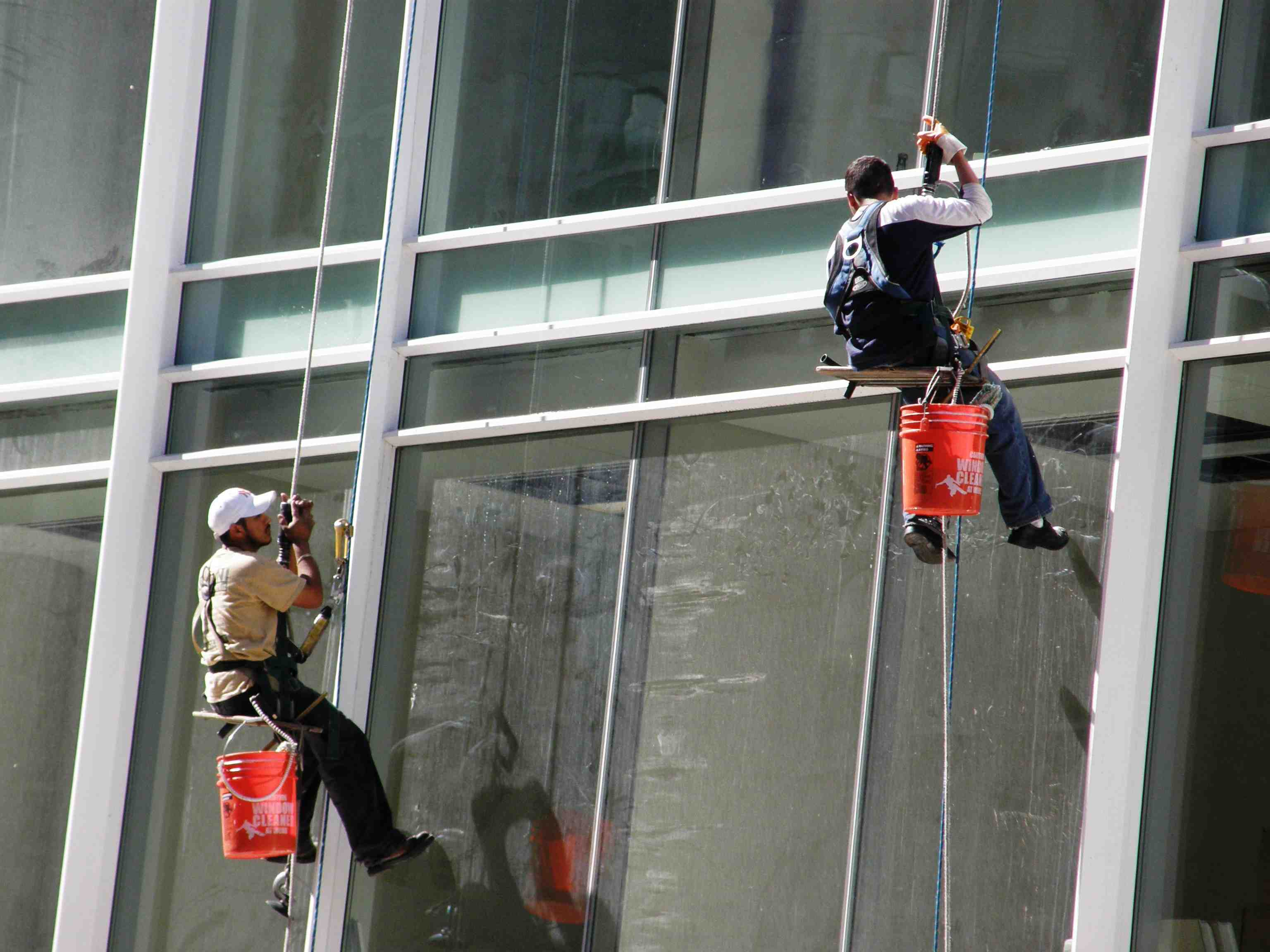 As demand grows for window washing services in New York, safety should ...
