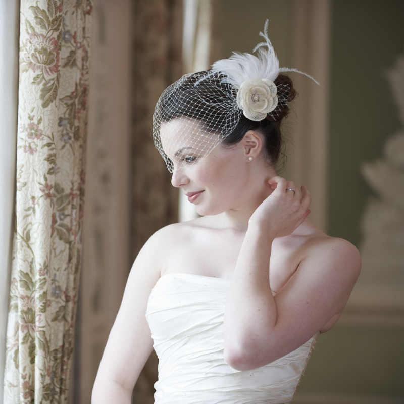 1950 S Style Wedding Hair: Disgraceful Grace Embraces Jubilee-induced Nostalgia With