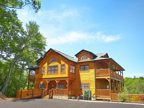Gatlinburg cabin rental agency offers last minute cabin for Deals cabins gatlinburg tn