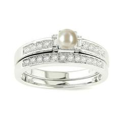 Beautiful 1 carat Peal engagement ring and wedding on sale at inexpensive price at JewelOcean