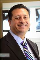 Photograph of Dr. Siddiqui, spine surgeon for minimally invasive spine center, OSI